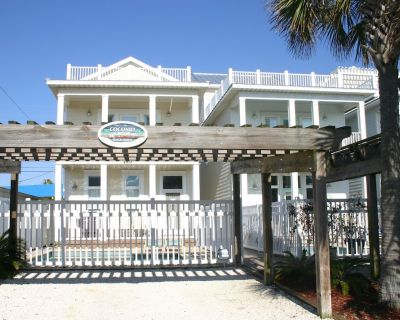 Coconut Grove Beach House Private Pool, Gas Stove, new AC, New Sofa Love Seat - Lower Grand Lagoon