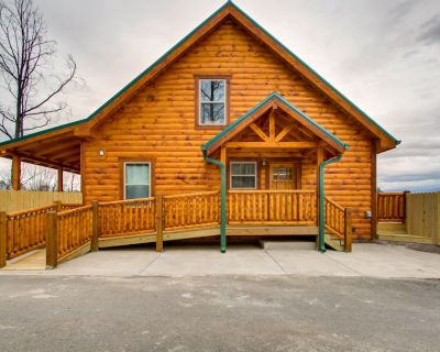 3 Bedroom Cabin with Beautiful View, Hot Tub, Wifi & Gas Grill - Pigeon Forge