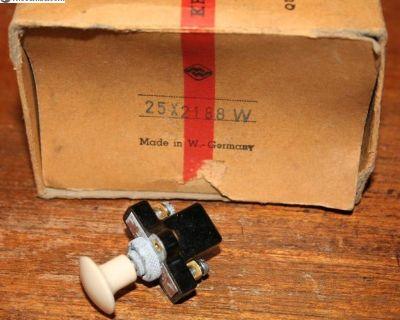 NOS accessory/foglight switch (merrit)