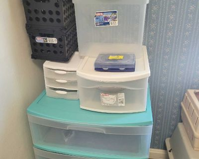 Storage containers