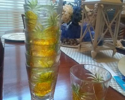 Set of eight durable nonbreakable pineapple glasses