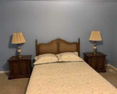 Queen size headboard and bed frame. NICE QUALITY!