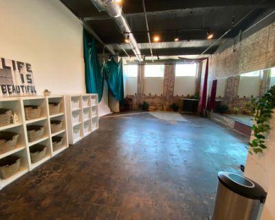 Creative Space with Mirrors, Natural Light, Brick Walls and Parking, Atlanta, GA