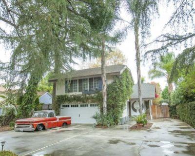 The Private Geller Villa, Van Nuys, CA