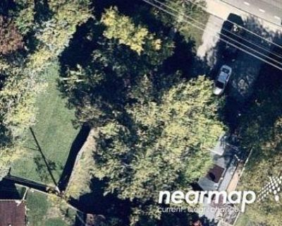 1.0 Bath Foreclosure Property in Round Lake, IL 60073 - E Washington St
