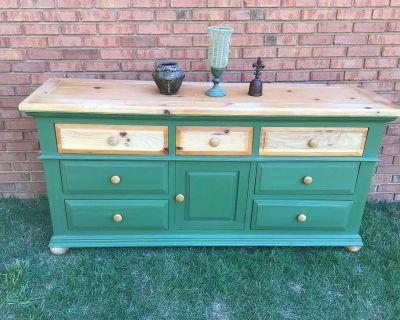 80 s Bassett Pine Dresser