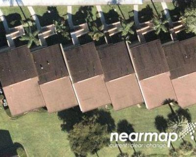 2 Bed 2.0 Bath Foreclosure Property in North Fort Myers, FL 33917 - Admiralty Cir Apt 2