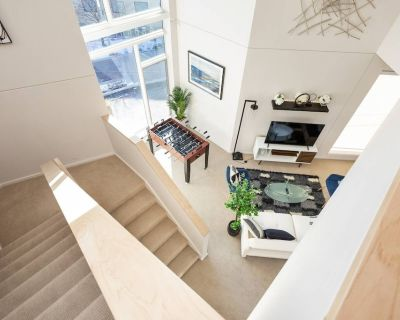 Upscale 3BR Penthouse Close to Everything - Downtown Indianapolis