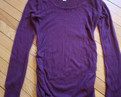 Maternity sweater sm