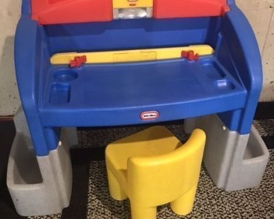 Little Tikes desk/workbench with chair