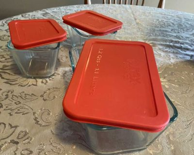 New never used one Pyrex Storage 7214 4.8 cup and two 7213 1.7/8 cup glass containers with lids