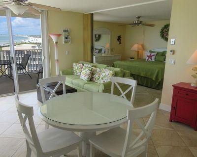 Spectacular Deluxe Estero Beach & Tennis Beachfront Condo w/ Direct Gulf View - South Island