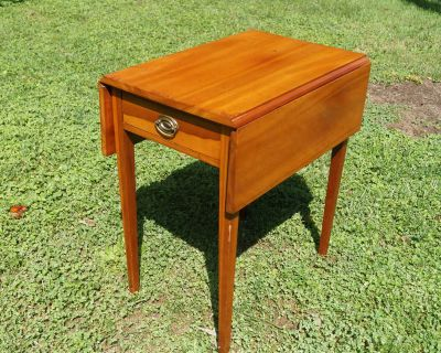 Solid Cherry Drop-leaf Side Table with One Drawer