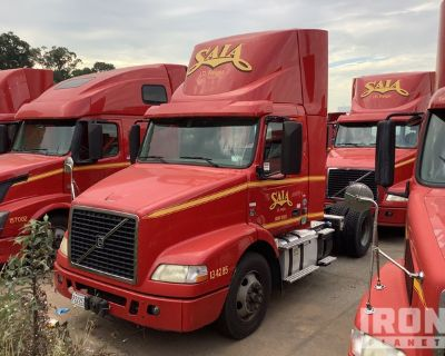 2014 Volvo VNM 4x2 S/A Day Cab Truck Tractor