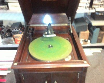 Vintage Antique Victrola Phonographs