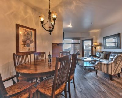 Upgraded one bedroom condo Sundial Lodge