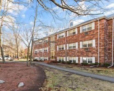 39 Farrwood Ave #5, North Andover, MA 01845 2 Bedroom Condo