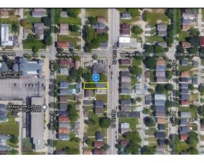 4 Bed 2 Bath Preforeclosure Property in Milwaukee, WI 53210 - N 35th St