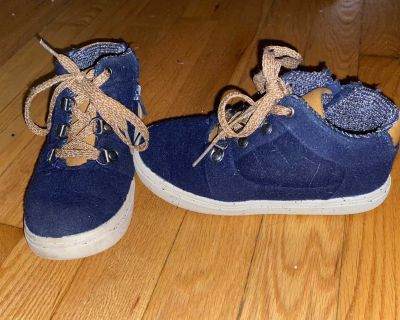 Cat & Jack Dontell Flannel Mid Top Sneakers