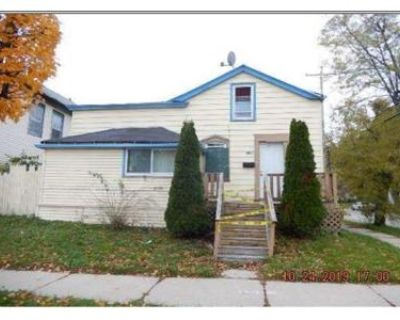 3 Bed 1.0 Bath Foreclosure Property in Milwaukee, WI 53212 - N 4th St