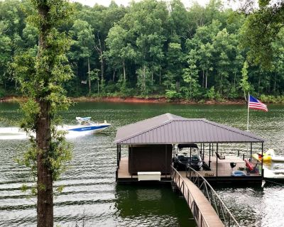 Beautiful Home on Lake Hartwell. With Dock! - Anderson County