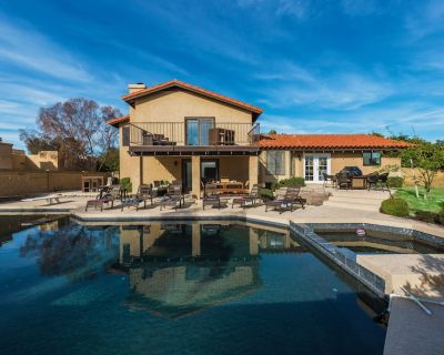 BRAND NEW HOME! Amazing backyard with private pool, hot tub, fire pit, yard games and BBQ! - Paradise Valley Village