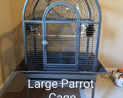 Large Bird/Parrot cage. Includes perches & assorted toys