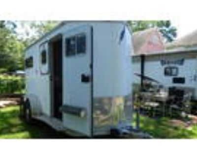Featherlite Horse Trailer with Tack Room