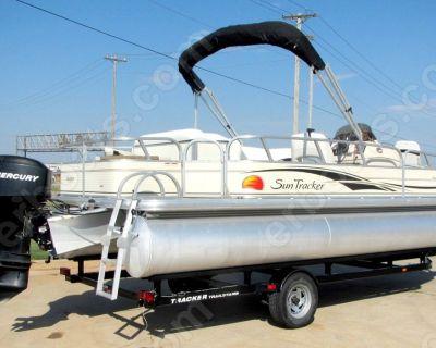 2008 Sun Tracker 21 Fishing Barge