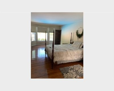 Room for rent in Ladybank Lane, Chantilly Highlands - Room Suite For Rent Within Single Family Home