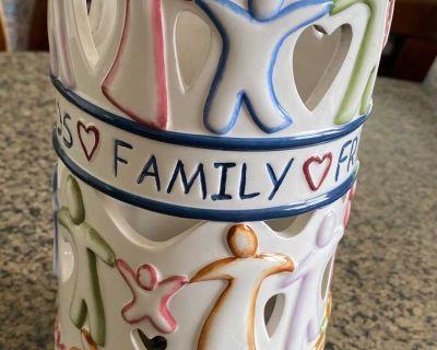 Ceramic heartwarming candle holder