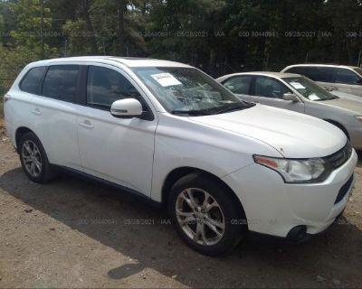 Salvage White 2014 Mitsubishi Outlander