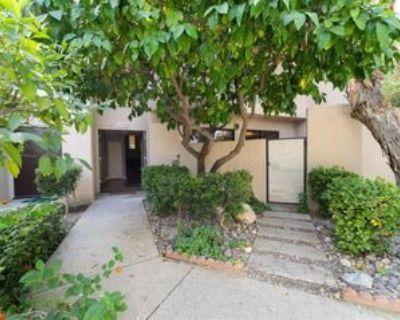 950 Village Sq N, Palm Springs, CA 92262 3 Bedroom Condo
