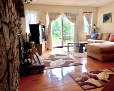 Quiet Home/Office - Best Location - Walk to Train/Colleges/Grocery - Wellesley
