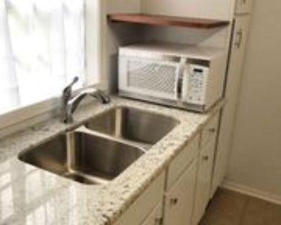 69250 69250 Rowell Street Rear Cottage, Mandeville, LA 70471 1 Bedroom House