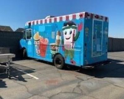 Used 2000 - 23' Freightliner VN Diesel Ice Cream Truck