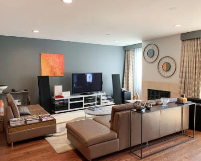Hollywood Hills Modern Condo with Large Patio, Hollywood hills, CA