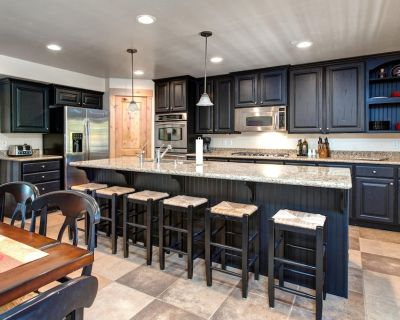 Spacious Modern Townhouse at Bear Hollow Park City - Sleeps 15! - Bear Hollow Village