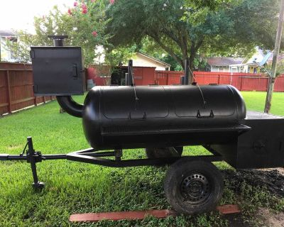 BBQ Pit and Smoker Sits on Trailer