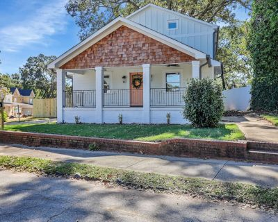 Stylish Craftsman Home in Benteen Park! - East Side