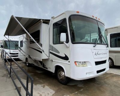 2006 Four Winds Hurricane 31D with 2 Slides