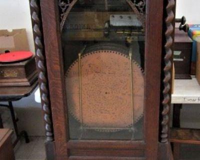 Don s Auction, Little Falls Presents The John Brott Estate Antique Phonograph Collection.