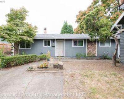 15 Se 62nd Ave, Portland, OR 97215 2 Bedroom House