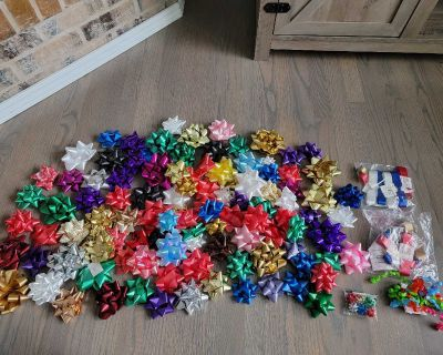 Over 100 Gift Bows + Make Your Own Bows