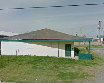 Industrial Convenient to N Market and Grimmet Drive