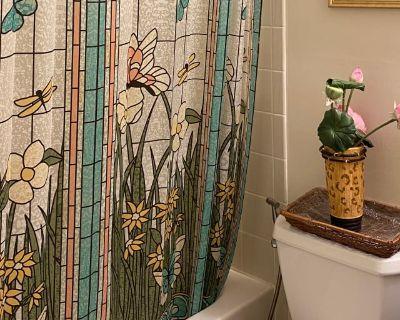 Private room with own bathroom - Manassas Park , VA 20111