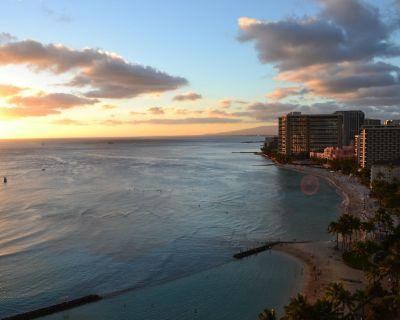 Luxury Ocean Front 1br Right On Waikiki Beach - Waikiki