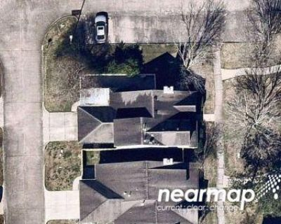 3 Bed 2.0 Bath Preforeclosure Property in La Porte, TX 77571 - S Broadway St Apt 8