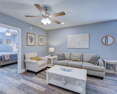 20 D Baltimore Ave, The Henlopen, 1 Bedroom Condo With Sleeper Sofa, Sleeps 4, Ocean Block, Steps to the Beach and Boardwalk Includes Linens + Towels - Rehoboth Beach