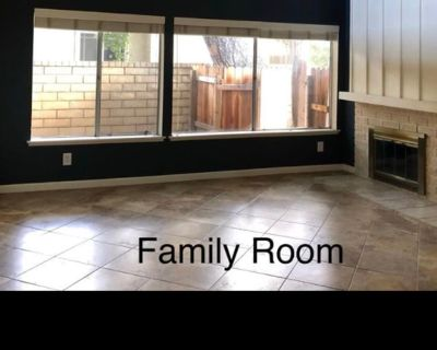 Private room with shared bathroom - Valencia , CA 91355